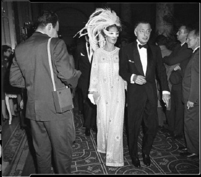 Gianni Agnelli Con La Moglie A New York Al Black And White