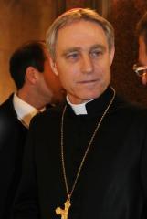 Padre Georg Ganswiein