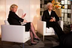 TINA BROWN CON CHRISTINE LAGARDE A DAVOS