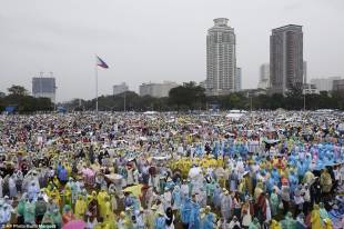papa a manila sea of faith organisers expected as many as 6million people mor a 13 1421571903686