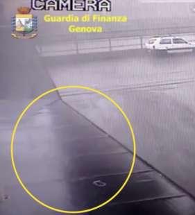 frame del video della guardia di finanza sul crollo del ponte morandi di genova
