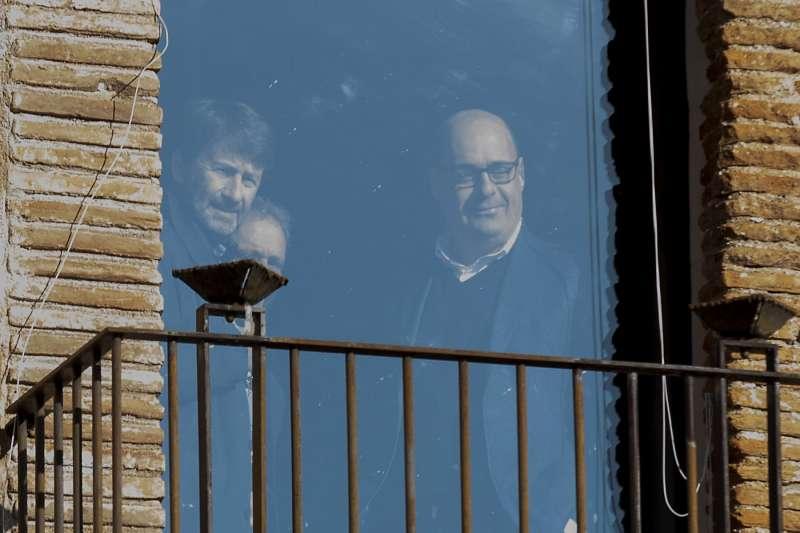 dario franceschini e nicola zingaretti alla finestra dell'abbazia di contigliano 5