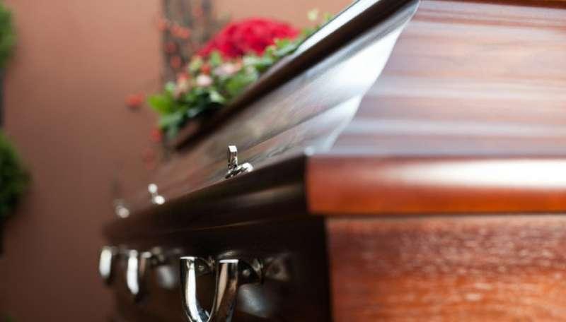 risveglio durante il funerale 3