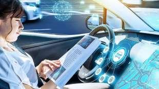 auto del futuro con guida autonoma