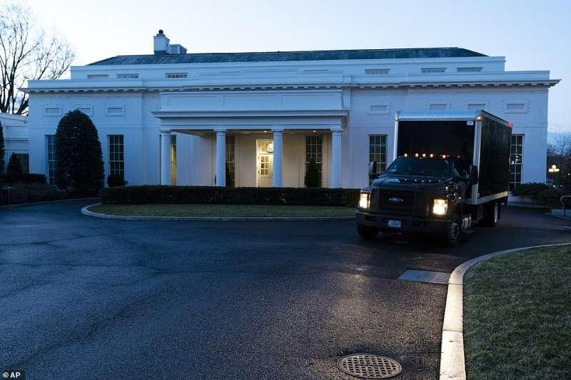 camion dei traslochi alla casa bianca