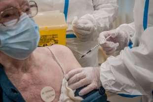 coronavirus vaccinazione al pio albergo trivulzio