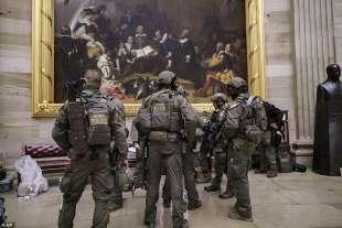 federali al congresso dopo l assalto dei supporter di trump