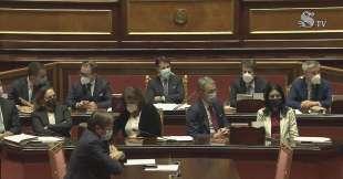 giuseppe conte e i ministri durante l intervento di renzi in senato