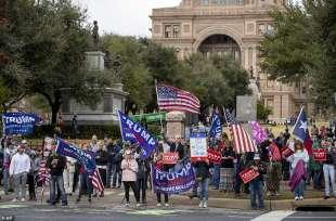 manifestazioni pro trump a austin, texas
