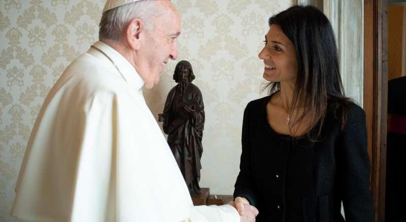 papa francesco virginia raggi