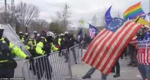 scontri a washington tra polizia e supporter di trump 3