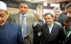 Ahmadinejad in visita al Cairo incontra MorsiYJW QX x