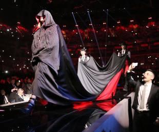 madonna cade dal palco 22
