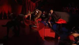 madonna cade dal palco 4