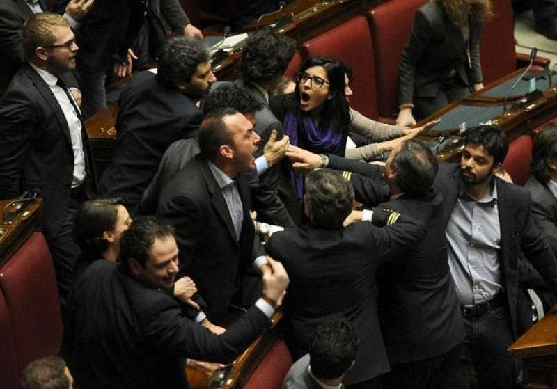 Montecitorio rissa tra onorevoli pd e sel 5 dago fotogallery for Onorevoli pd