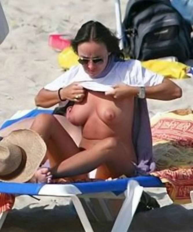 Camila Raznovich  nackt