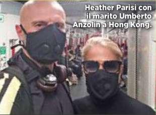 HEATHER PARISI E IL MARITO A HONG KONG CON LA MASCHERINA