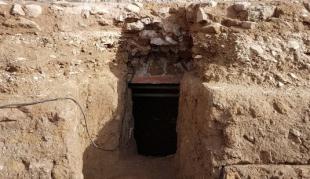 Parco Archeologico del Colosseo UN IPOGEO CON SARCOFAGO DEL VI SECOLO A.C
