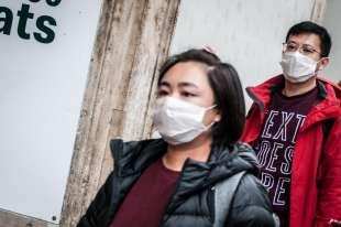 turisti cinesi con la mascherina a roma 5