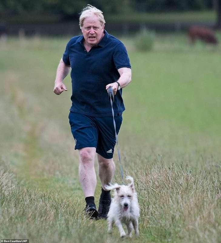 boris johnson e il cane dilyn 1