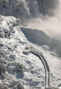 cascate del niagara ghiacciate 1