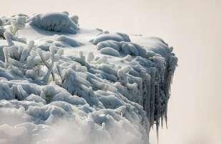 cascate del niagara ghiacciate 5