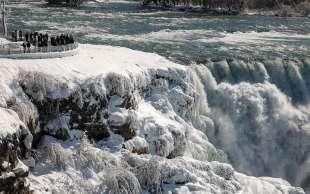 cascate del niagara ghiacciate 6