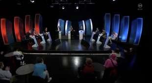 concorrente sbrocca durante il quiz gettu betur in islanda