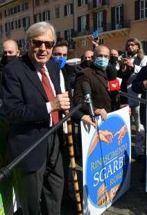conferenza stampa di sgarbi a piazza navona foto di bacco (1)