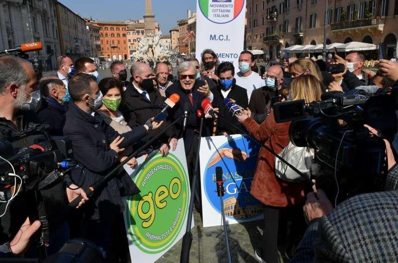conferenza stampa di sgarbi a piazza navona foto di bacco (12)