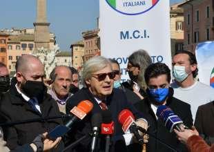 conferenza stampa di sgarbi a piazza navona foto di bacco (13)