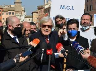 conferenza stampa di sgarbi a piazza navona foto di bacco (14)