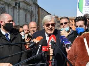 conferenza stampa di sgarbi a piazza navona foto di bacco (15)