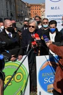conferenza stampa di sgarbi a piazza navona foto di bacco (7)