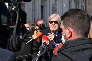 conferenza stampa di sgarbi a piazza navona foto di bacco (8)