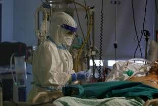 coronavirus terapia intensiva 3