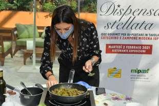 elisabetta gregoraci cucina foto di bacco (3)