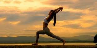 esercizi di yoga mindfulness