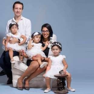 luca attanasio con la moglie e le figlie