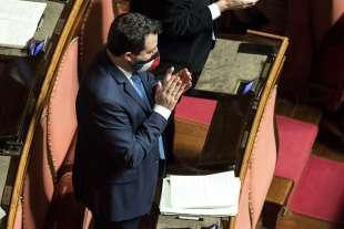 MATTEO SALVINI IN SENATO APPLAUDE DRAGHI