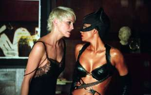 sharon stone halle berry catwoman