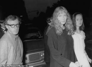 woody allen, mia farrow e soon yi