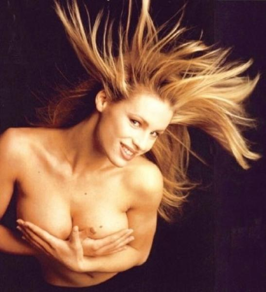 sunbathing-pictures-sexy-michelle-hunziker-nuda-category-shemale