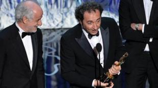 Toni Servillo e Paolo Sorrentino sul palco degli Oscar