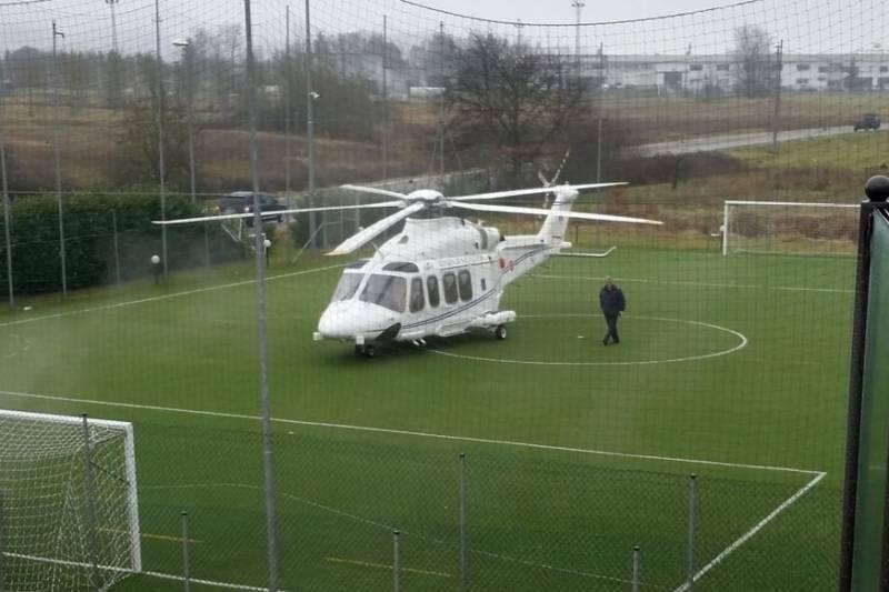 Elicottero Silvio Berlusconi : Elicottero di renzi atterraggio emergenca dago