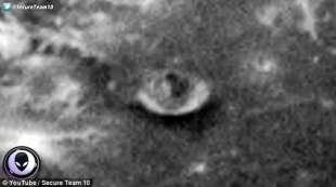 base aliena sulla luna