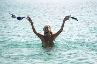 francesca cipriani nuda all isola dei famosi 10