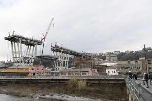 demolizione ponte morandi 3