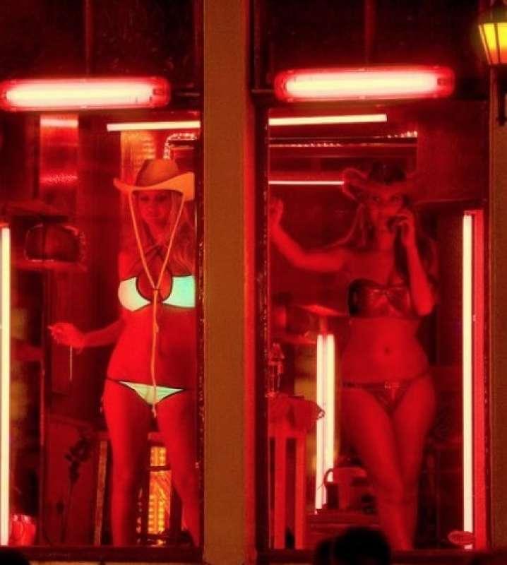 беседе румынскими порно приколы японии улица красных фонарей шоке, думал навык