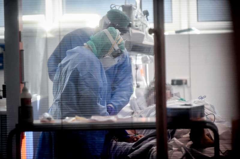 reparto di terapia intensiva brescia 11